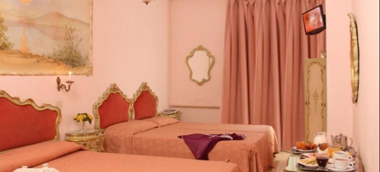 Hotel Romulus: Interior ROME