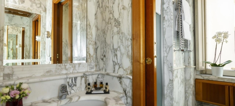 Hotel Valadier: Salle de Bains ROME