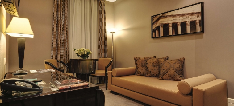 Grand Hotel Via Veneto: Living Room ROME