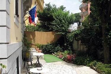 Hotel Silva: Restaurant Exterior ROME