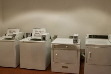Edward Hotel Chicago: Laundry Room ROSEMONT (IL)