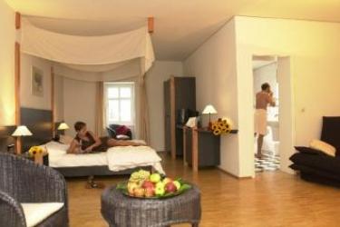 Hotel Ruedesheimer Schloss: Chambre RUDESHEIM