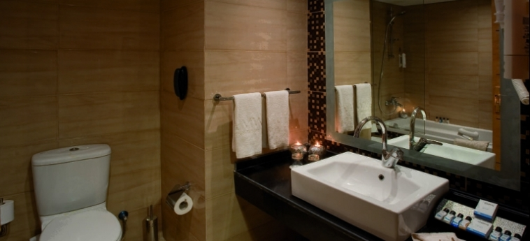 Hotel Amwaj Blue Beach Resort & Spa: Salle de Bains SAFAGA