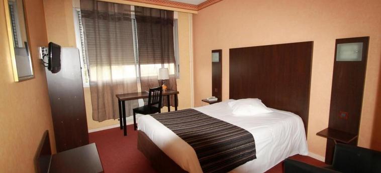 Adonis Lyon Est Hotel Artys: Chambre SAINT PRIEST