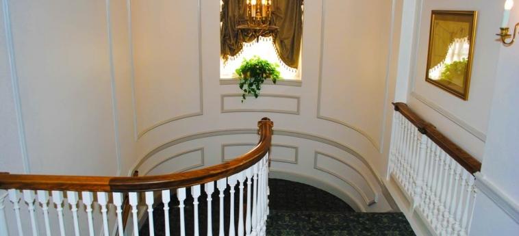 Hotel Hawthorne : Staircase SALEM (MA)