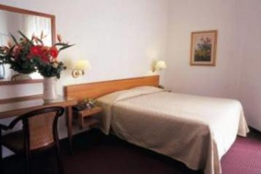 Hotel Plaza: Chambre Double SALERNE