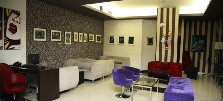 Hotel Metropolitan: Lounge SALONICCO