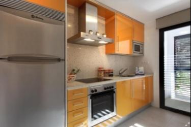 Hotel P&v Apartamentos Salou: Küche SALOU - COSTA DORADA