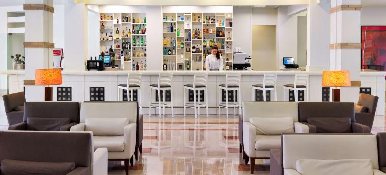 Hotel H10 Salauris Palace: Bar SALOU - COSTA DORADA