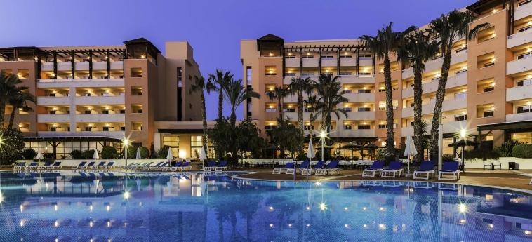Hotel H10 Salauris Palace: Piscine chauffée SALOU - COSTA DORADA