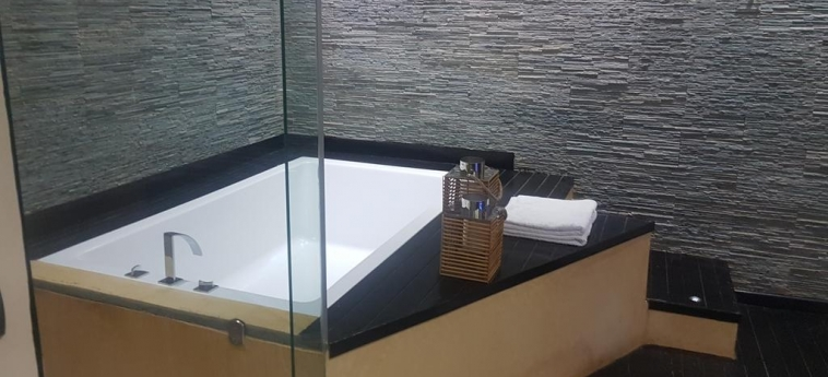 The Rhino Resort Hotel & Spa: Salle de Bains SALY PORTUDAL