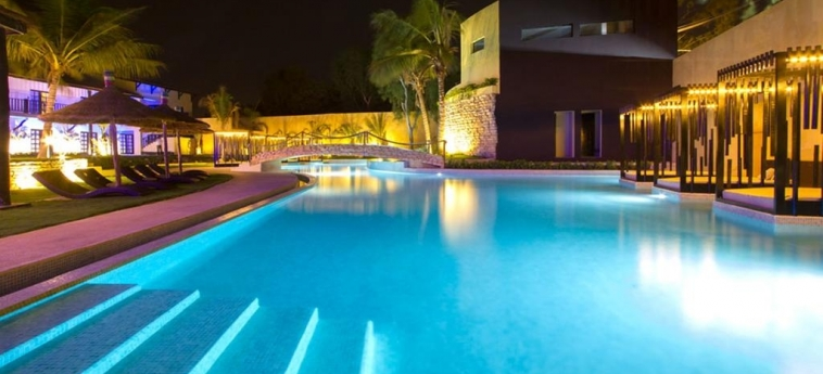 The Rhino Resort Hotel & Spa: Swimming Pool SALY PORTUDAL