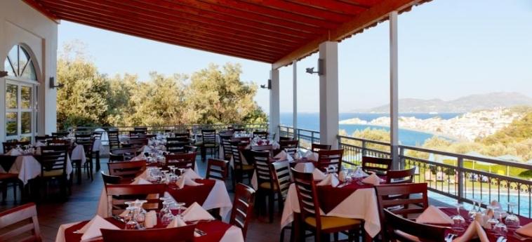Hotel Arion: Outdoor Restaurant SAMOS