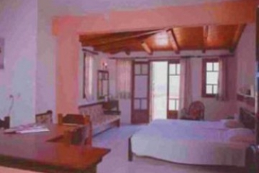 Hotel Anema By The Sea: Schlafzimmer SAMOS