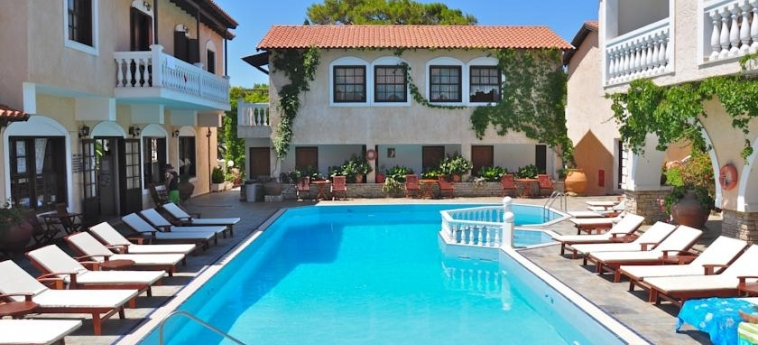 Hotel Ino Village: Piscina SAMOS