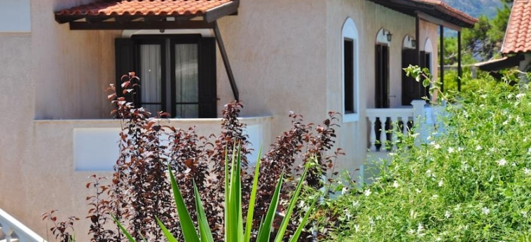 Hotel Ino Village: Extérieur SAMOS