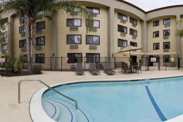 Hotel Holiday Inn Express Colton-Riverside North: Piscina al aire libre SAN BERNARDINO (CA)