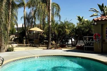 Hotel Holiday Inn Express Colton-Riverside North: Piscina SAN BERNARDINO (CA)