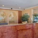 Hotel Days Inn & Suites