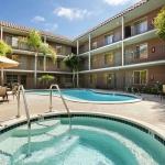 Hotel Days Inn And Suites San Diego Near Sea World