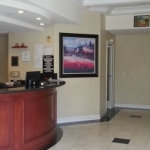 Gateway Inn And Suites Hotel