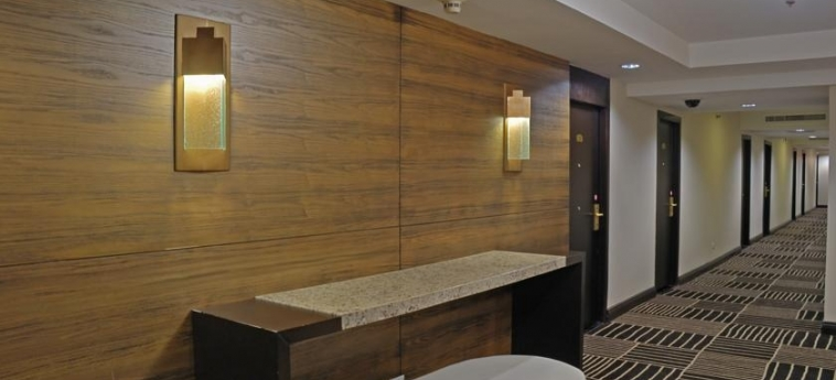 Hotel Crowne Plaza San Salvador: Corridoio SAN SALVADOR