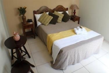 Hotel Andoria: Vierbett- Zimmer SAN SALVADOR