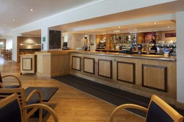 Hotel Holiday Inn Derby Nottingham M1 Jct25: Bar de l'hôtel Sandiacre