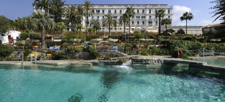 Hotel Royal: Swimming Pool SANREMO - IMPERIA