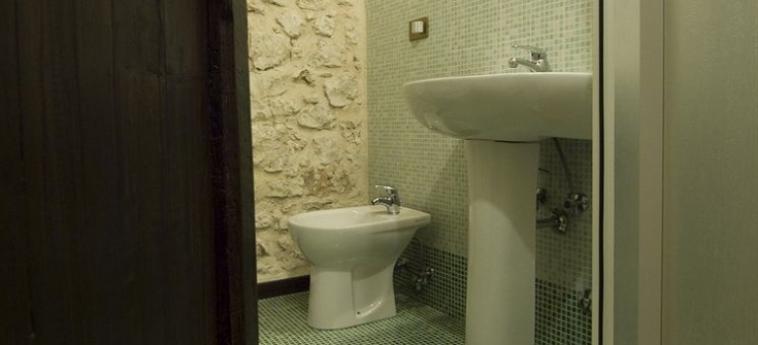 La Casa Su Le Dimore Del Borgo: Salle de Bains SANTO STEFANO DI SESSANIO - L'AQUILA
