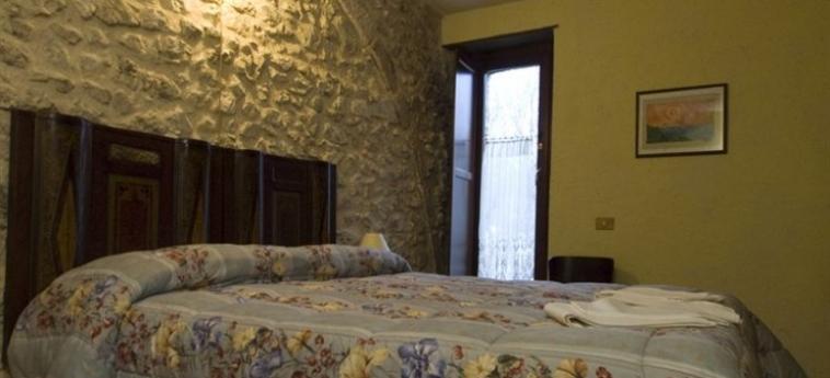 La Casa Su Le Dimore Del Borgo: Salle de Banquet SANTO STEFANO DI SESSANIO - L'AQUILA