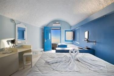 Hotel Abyssanto Suites & Spa: Putting Green SANTORINI