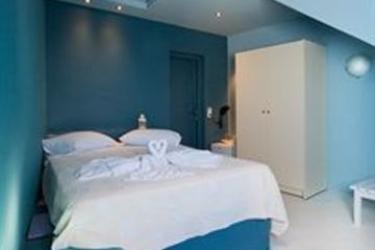 Hotel Abyssanto Suites & Spa: Parkplatz SANTORINI