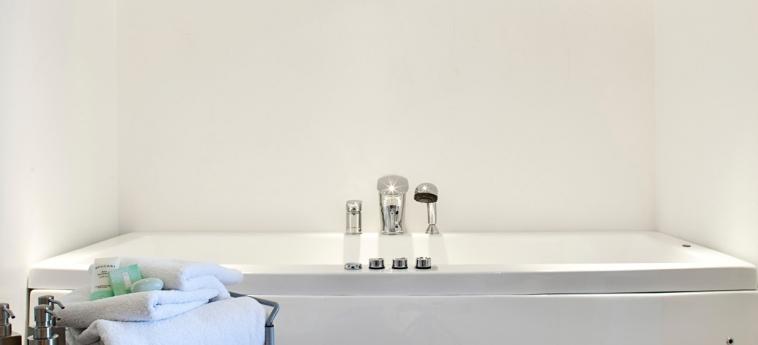 Hotel Katikies: Superior Bathroom SANTORINI