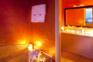 Hotel Adamant Suites: Badezimmer SANTORINI