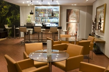 Bristol Portal Do Iguacu Hotel: Bar SAO JOSE DOS PINHAIS