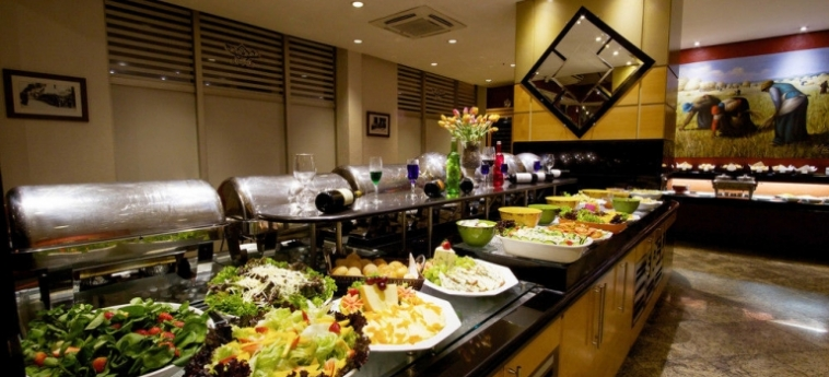 Bristol International Airport Hotel: Couloir SAO PAOLO - GUARULHOS