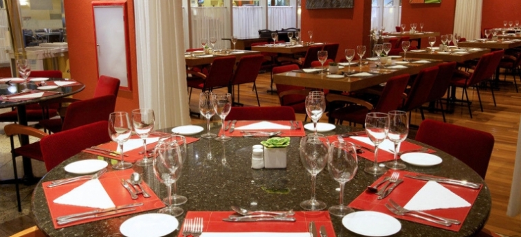 Bristol International Airport Hotel: Soggiorno E Angolo Cottura SAO PAOLO - GUARULHOS