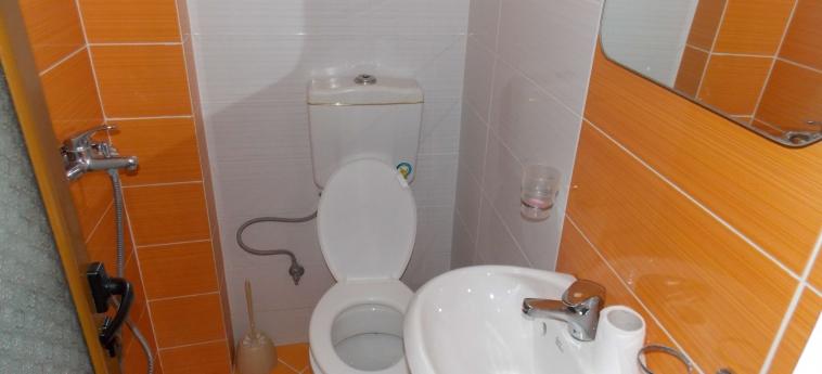 Hotel Rixhi: Bathroom SARANDA