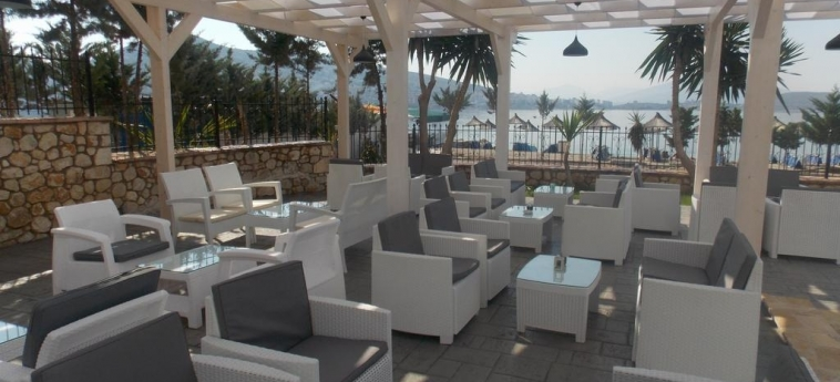 Hotel Vila Kalcuni: Patio SARANDA