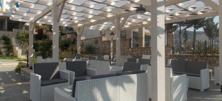 Hotel Vila Kalcuni: Terrasse SARANDA