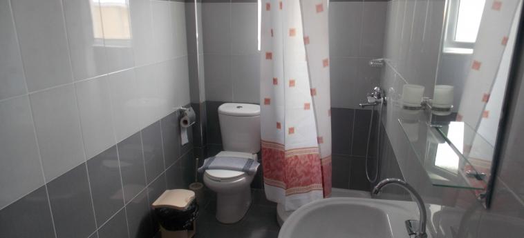 Eleana Apartments: Bagno SARANDA