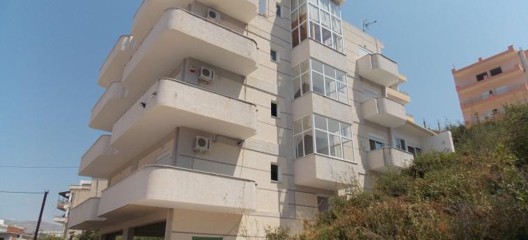 Eleana Apartments: Esterno SARANDA