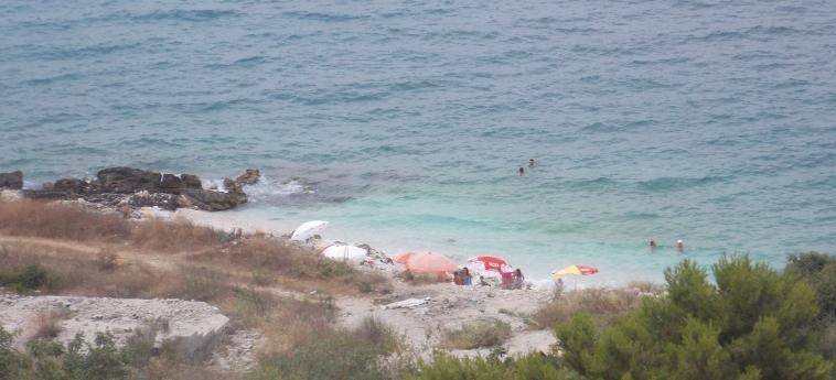 Eleana Apartments: Spiaggia SARANDA