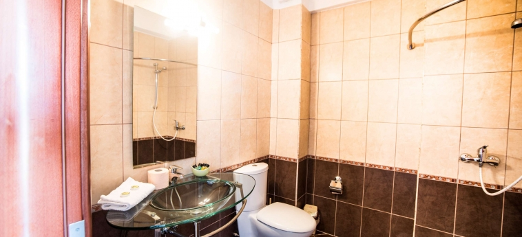 Hotel Oasis: Bagno SARANDA