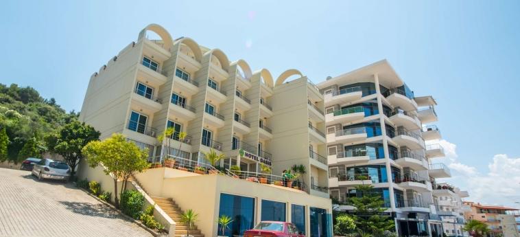 Hotel Oasis: Esterno SARANDA