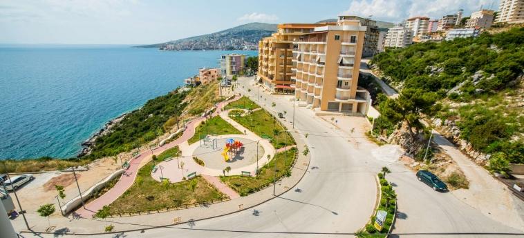 Hotel Oasis: Environnement SARANDA