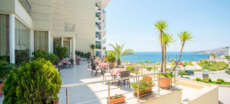 Hotel Oasis: Terrasse SARANDA