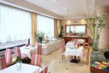 Hotel Cyrano: Gazebo SARONNO - VARESE
