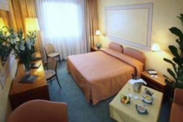 Hotel Cyrano: Room - Suite SARONNO - VARESE